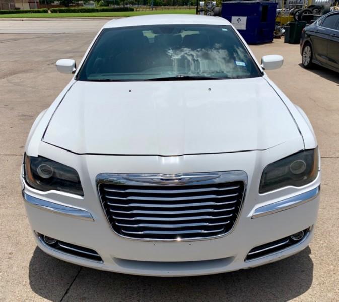 Chrysler 300 Touring 2014 price $8,990