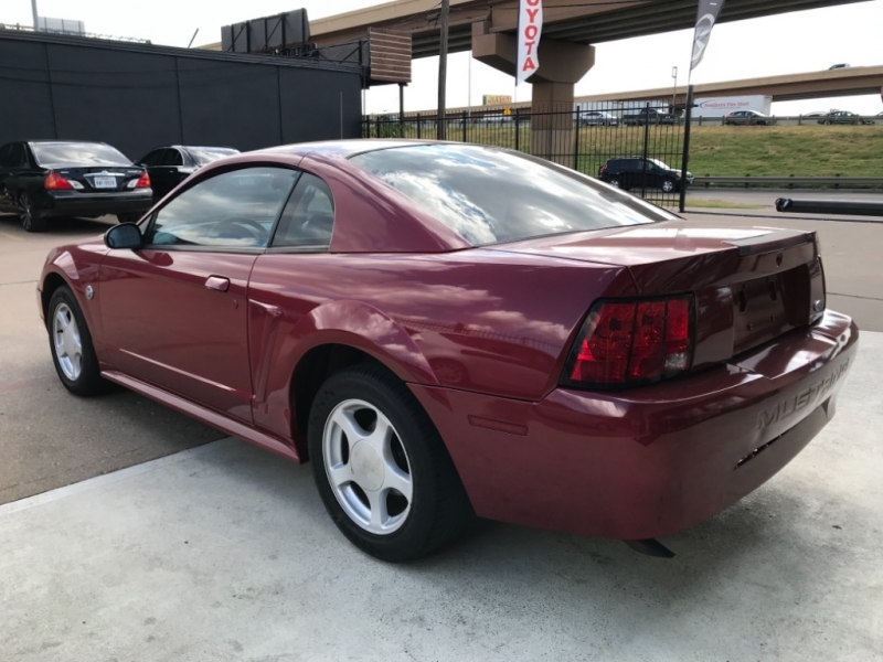 Ford Mustang 2004 price $4,990