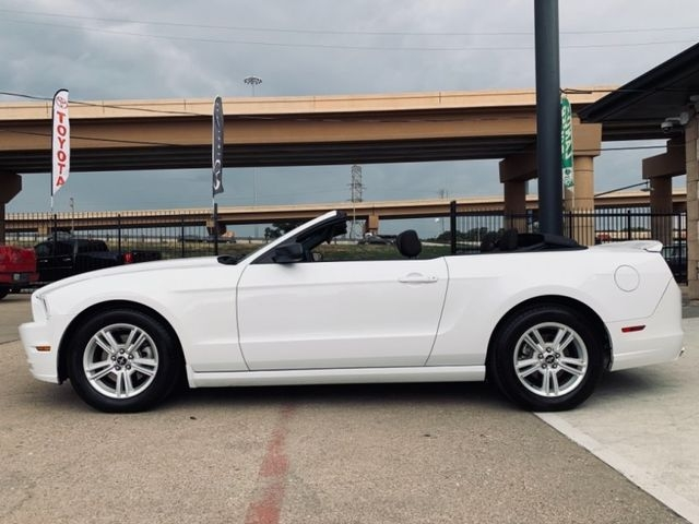 Ford Mustang Convertable 2014 price $12,990