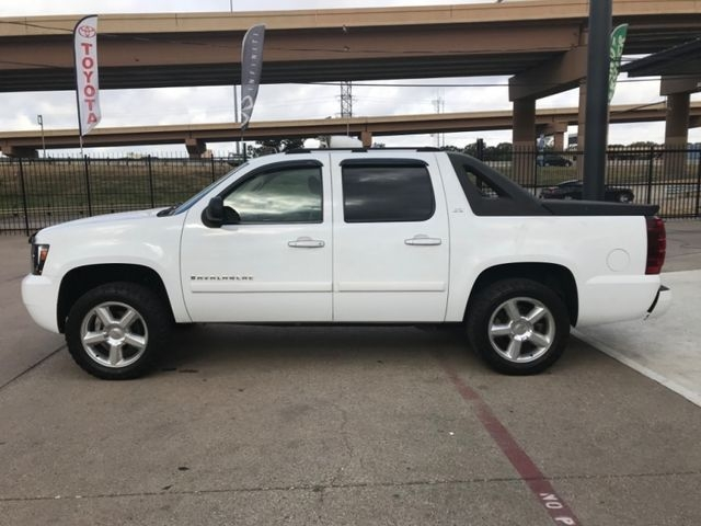Chevrolet Avalanche LTZ New Tires 2007 price $9,490