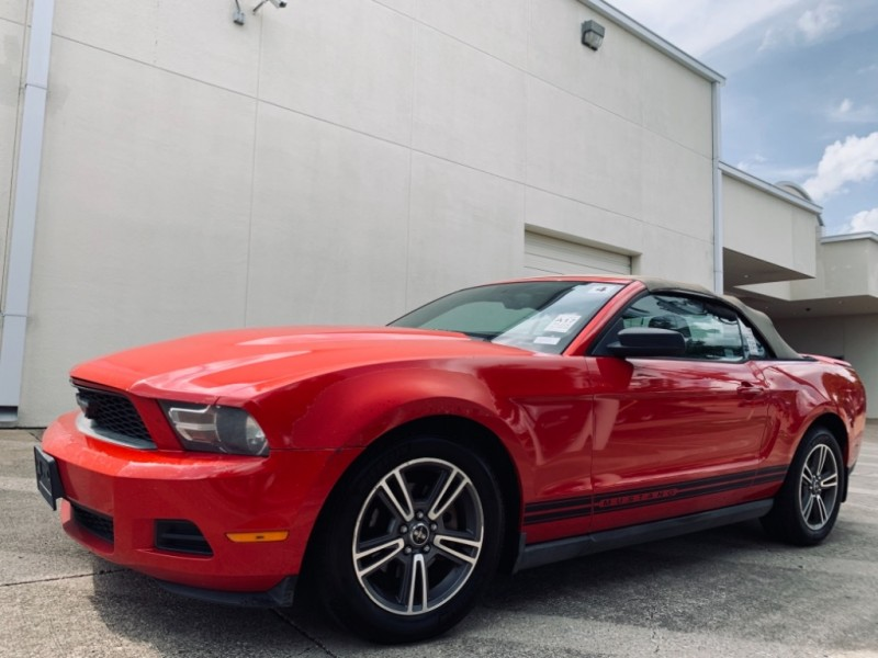 Ford Mustang convertible 2010 price $9,990