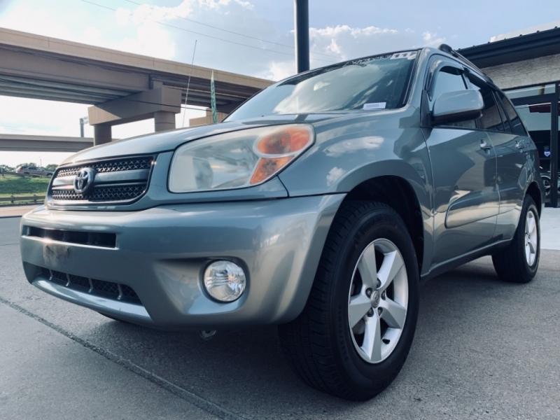 Toyota Rav4 L w/ Sunroof 2005 price $8,990