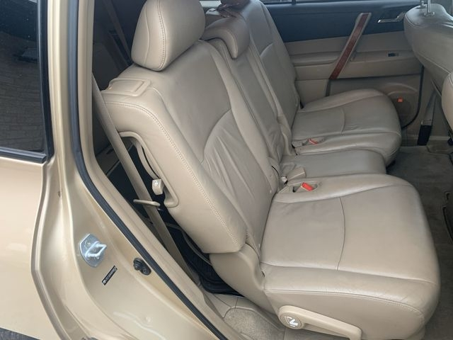 Toyota Highlander 2008 price $9,490
