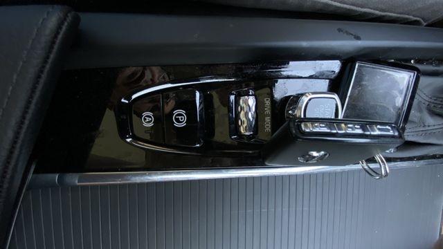 Volvo XC60 2020 price $37,990