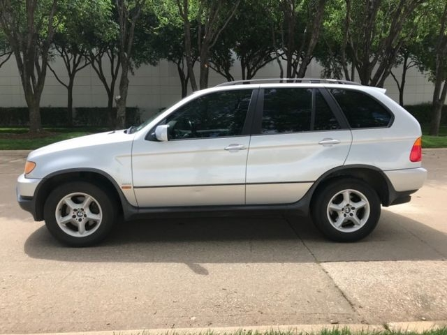 BMW X5 2002 price $3,590 Cash