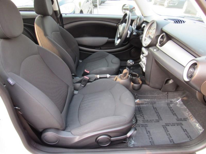 Mini Cooper Hardtop 2009 price $7,888