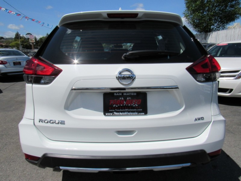 Nissan Rogue 2017 price $17,888