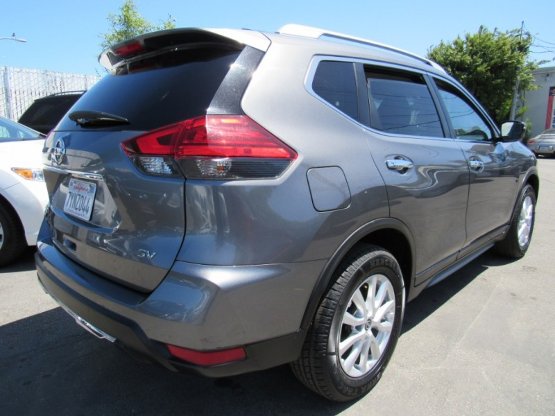 Nissan Rogue 2017 price $18,888