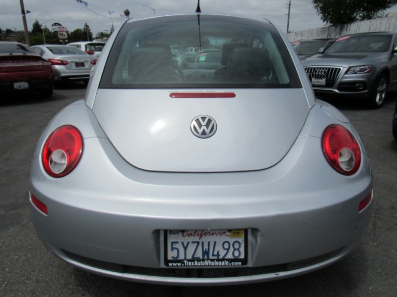 Volkswagen New Beetle Coupe 2007 price $3,888