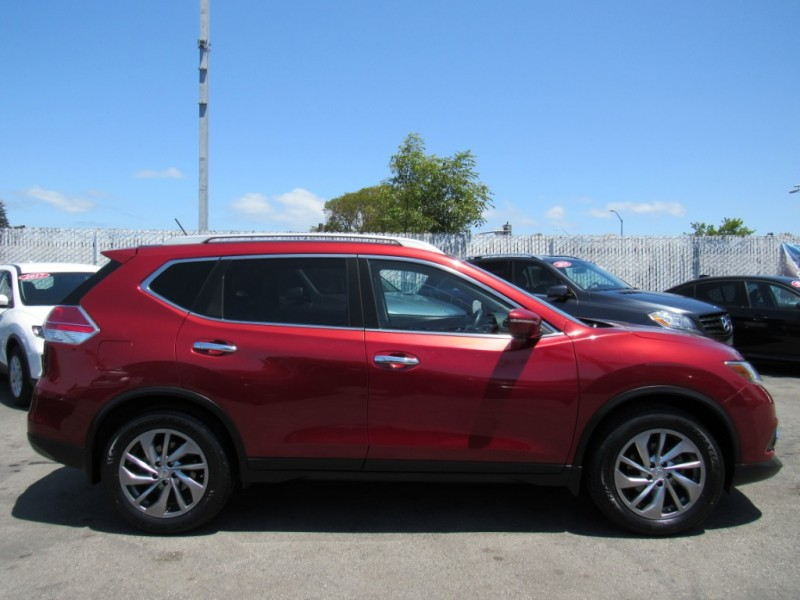 Nissan Rogue 2014 price $17,888