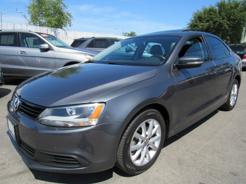 Volkswagen Jetta 2011 price $8,888