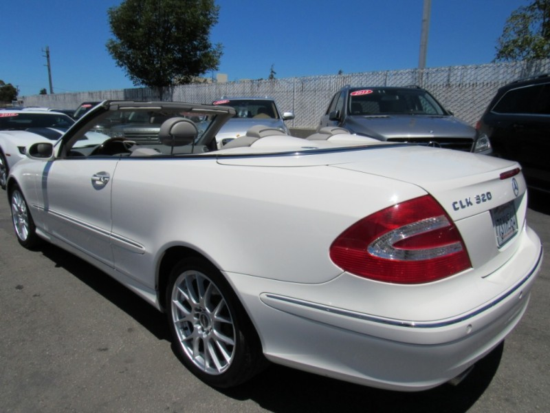 Mercedes-Benz CLK320 2005 price $7,888