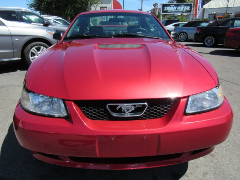 Ford Mustang 2000 price $5,888