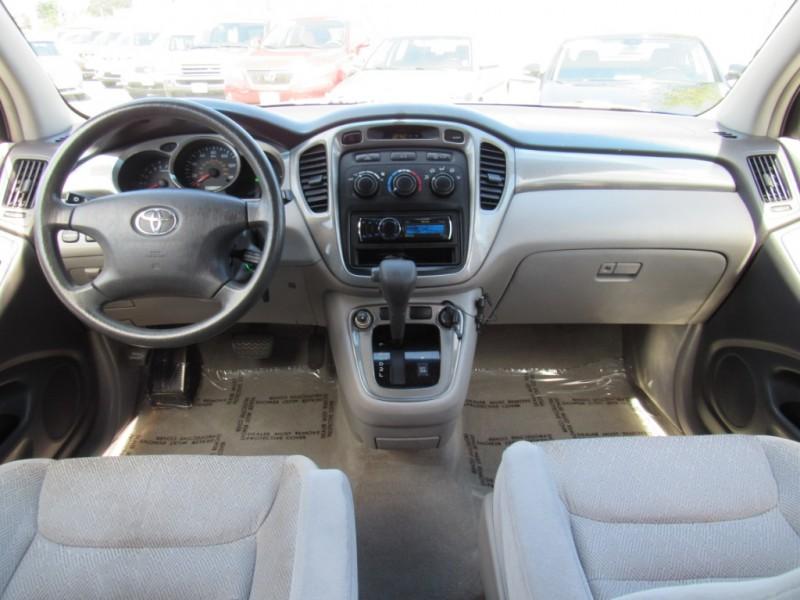 Toyota Highlander 2001 price $6,888