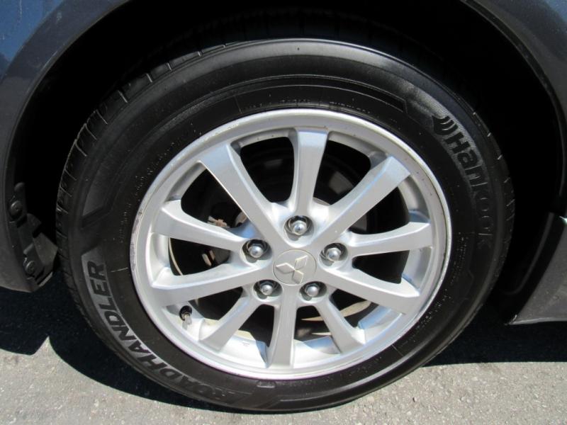 Mitsubishi Lancer 2011 price $6,888