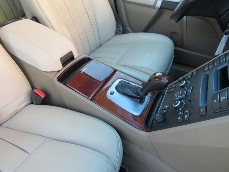 Volvo XC 90 2013 price $15,888