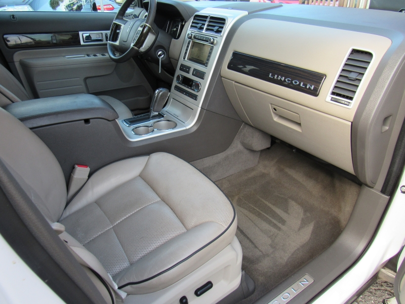 Lincoln MKX 2009 price $8,888