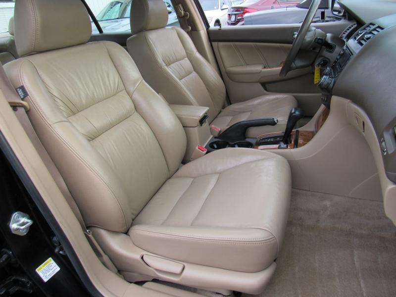 Honda Accord 2004 price $7,888
