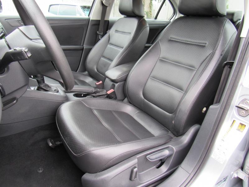 Volkswagen Jetta 2014 price $9,888