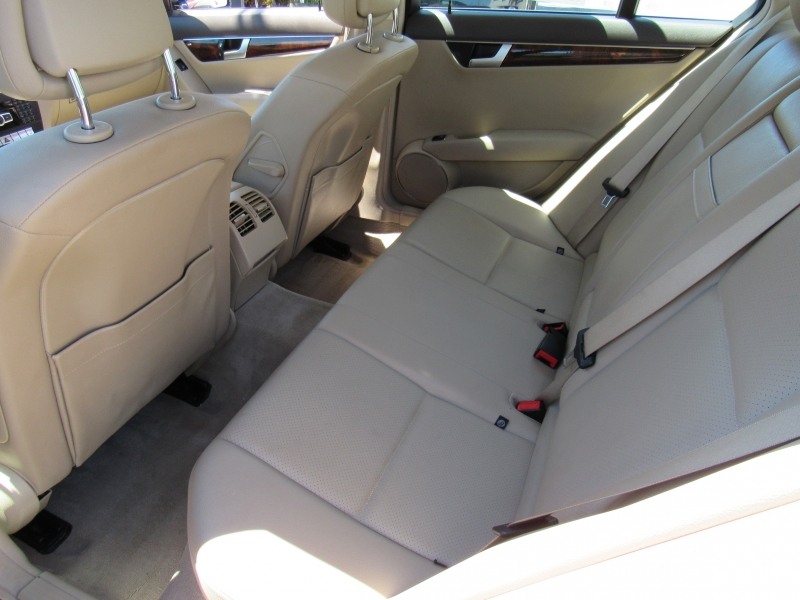 Mercedes-Benz C250 2012 price $11,888