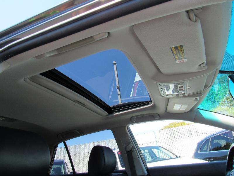 Lexus RX 330 2005 price $9,577