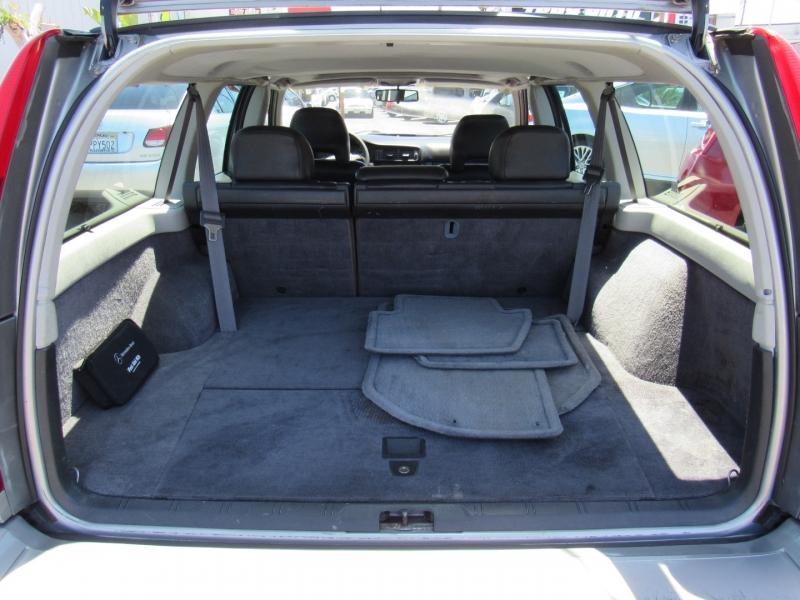 Volvo V 70 1998 price $5,888