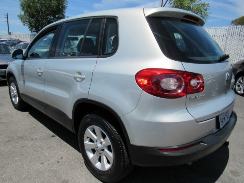 Volkswagen Tiguan 2010 price $7,888