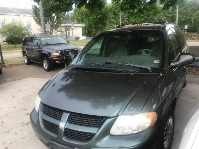 Dodge Caravan 2003 price $3,200