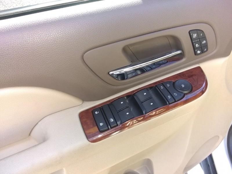 Chevrolet Avalanche 2011 price $20,500
