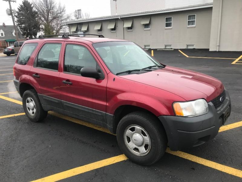 Ford Escape 2004 price $4,200