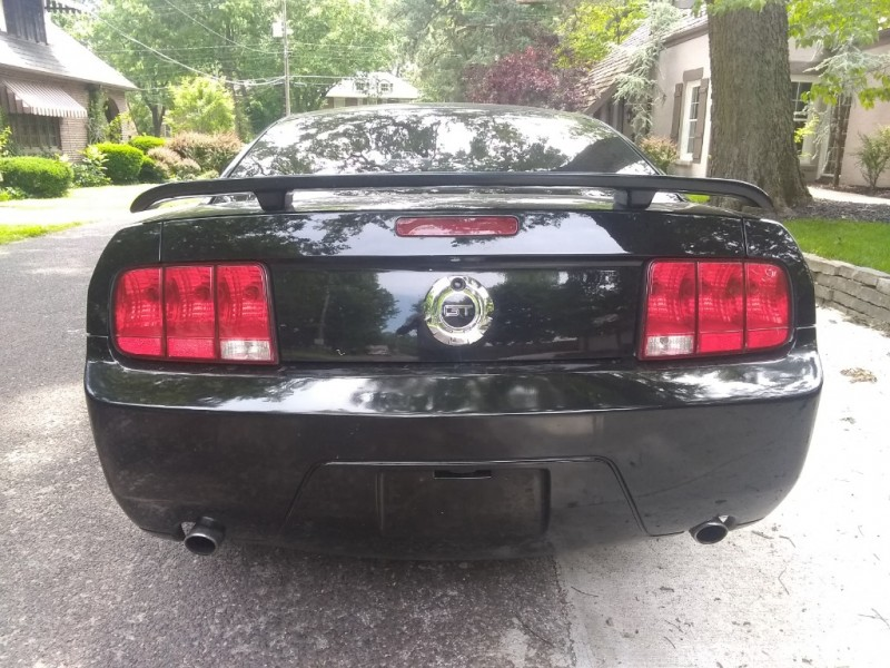 Ford Mustang 2007 price $10,950