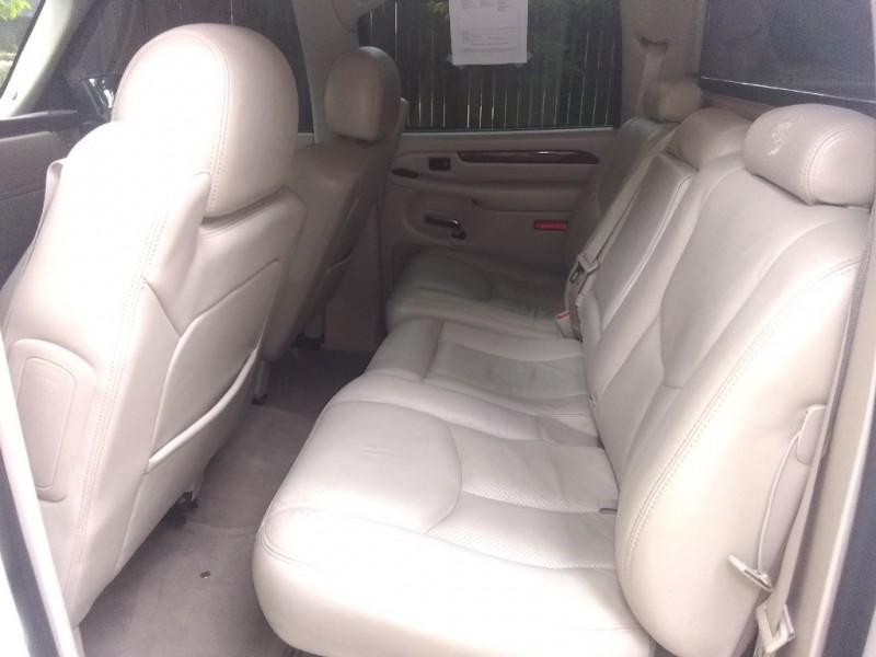 Cadillac Escalade EXT 2004 price $8,950