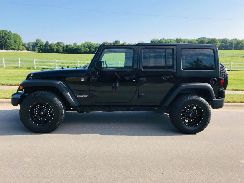 Jeep Wrangler Unlimited 2014 price $22,350