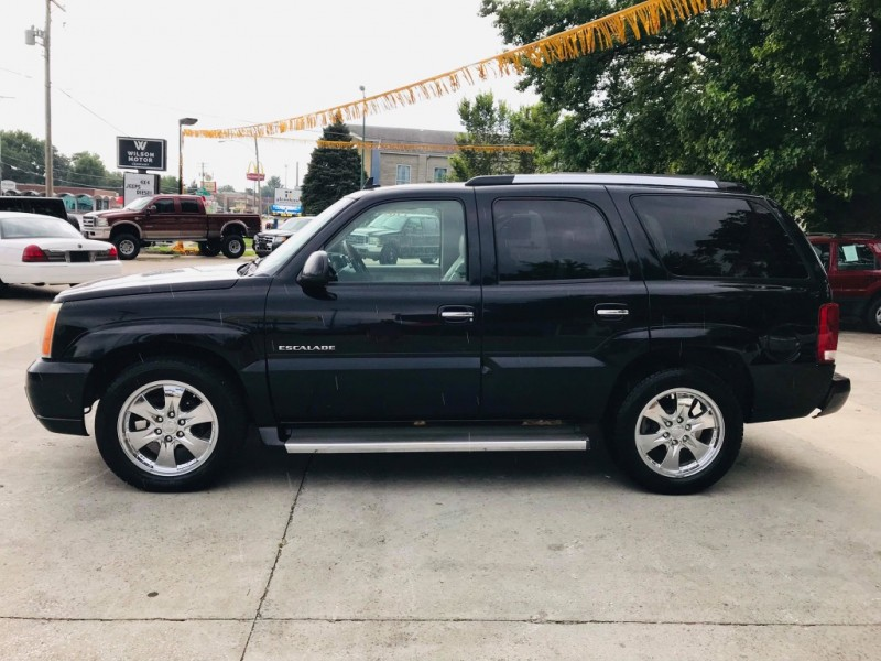 Cadillac Escalade 2006 price $4,950