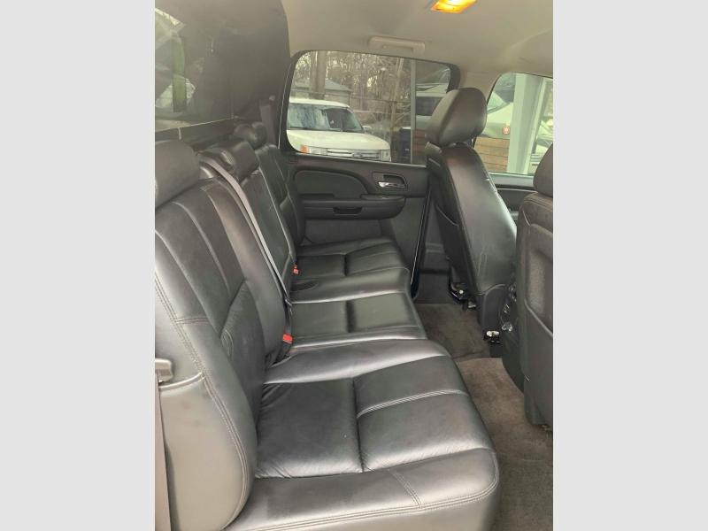 Chevrolet Avalanche 2012 price $11,400