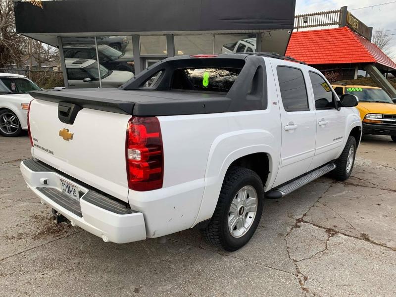 Chevrolet Avalanche 2012 price $11,950