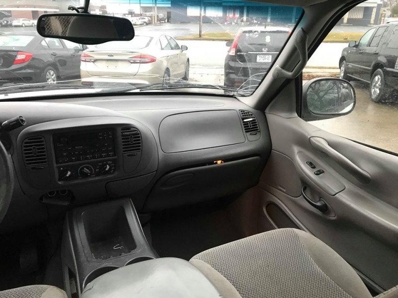 Ford Expedition 2001 price $1,500