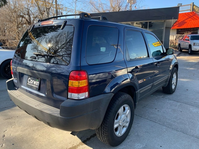Ford Escape 2004 price $2,950