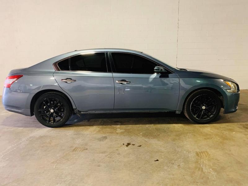 Nissan Maxima 2010 price $6,500