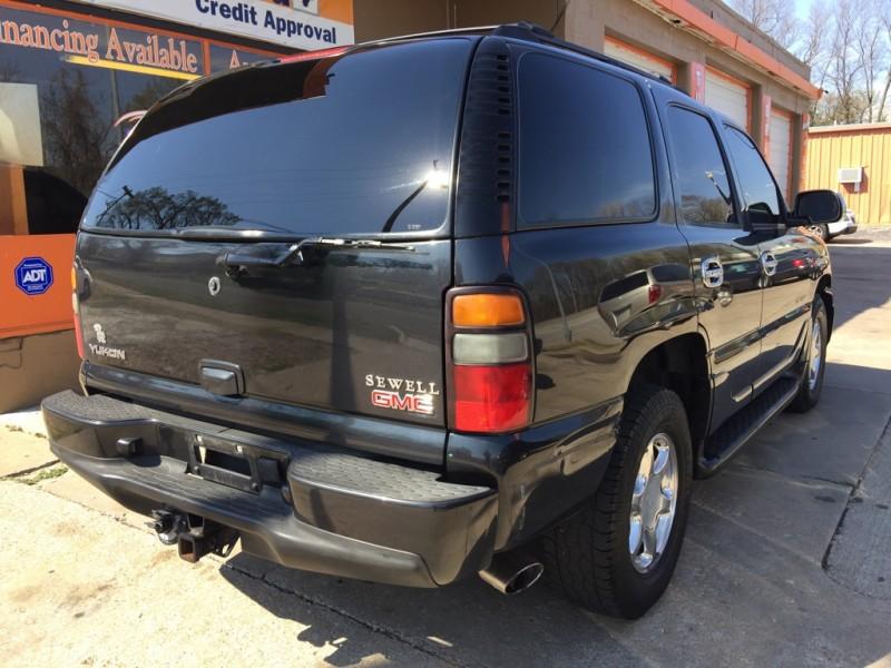 GMC Yukon 2004 price $2,950