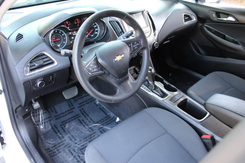 Chevrolet Cruze 2017 price $13,999