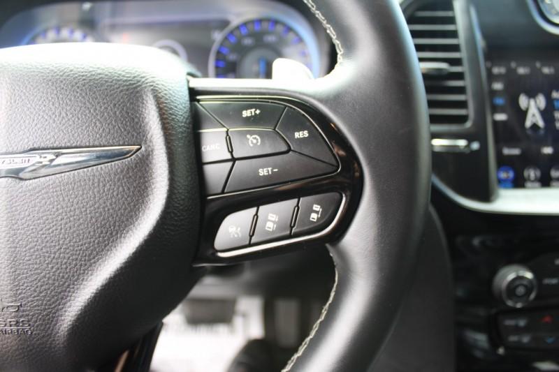 Chrysler 300 2018 price $24,999
