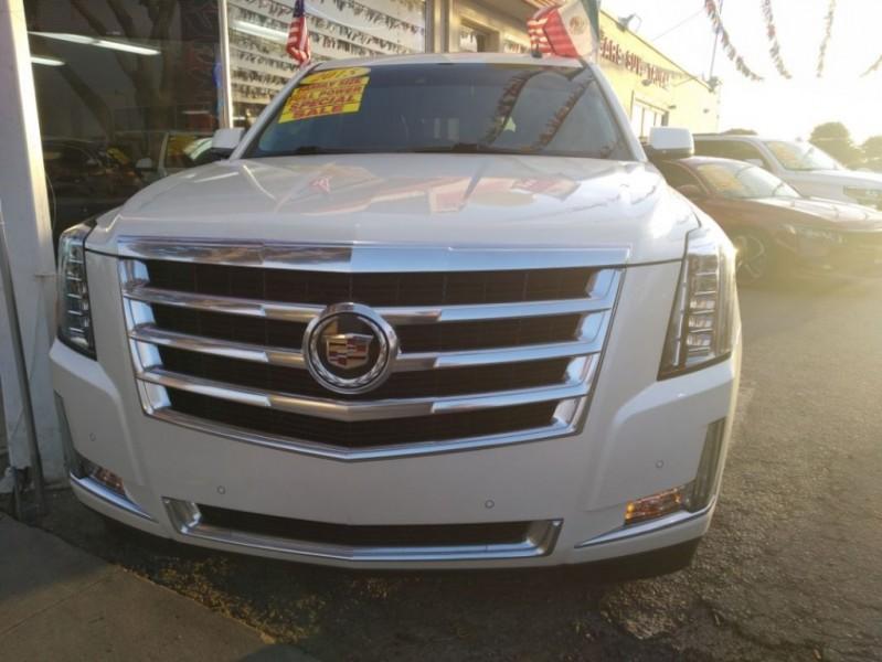 Cadillac Escalade 2015 price $44,999