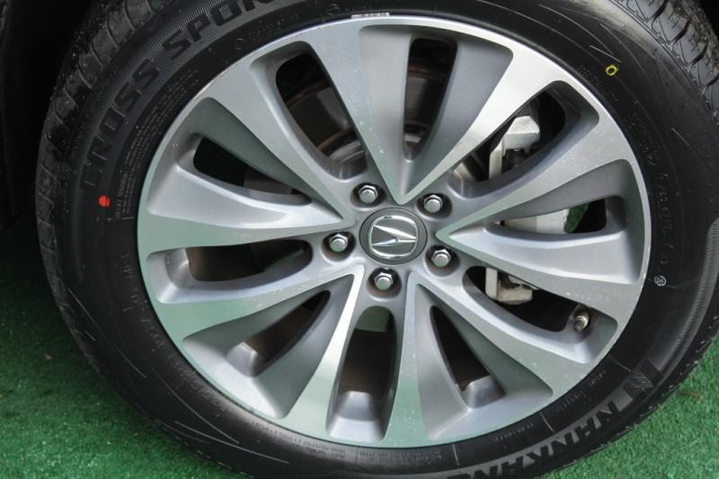 Acura MDX 2016 price $27,999