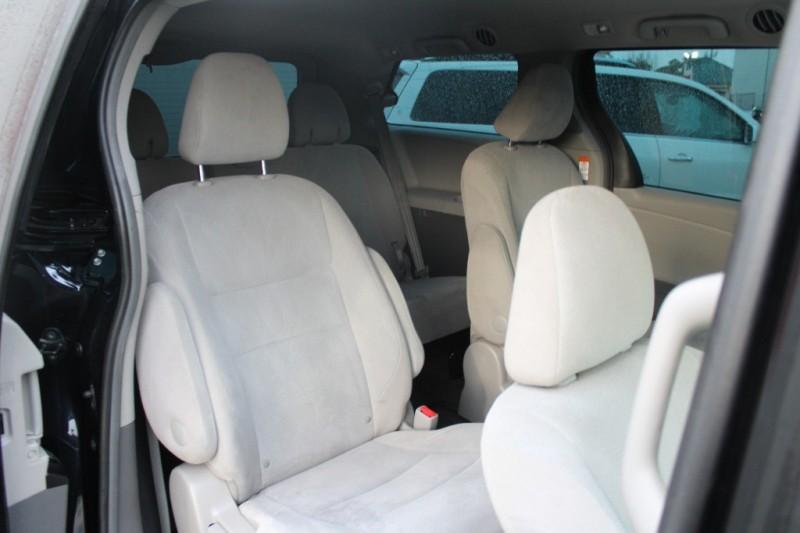 Toyota Sienna 2016 price $19,999