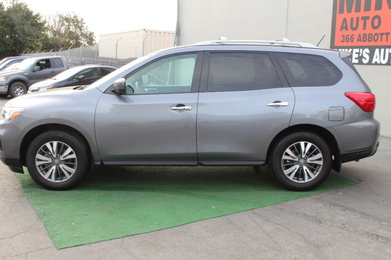 Nissan Pathfinder 2017 price $20,999