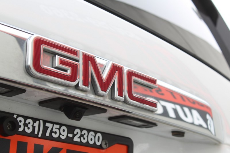 GMC Yukon 2018 price $48,999