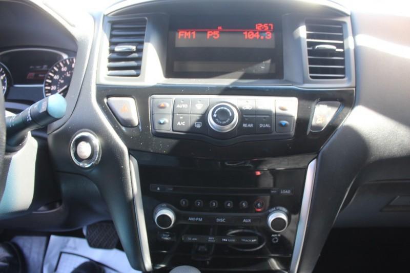 Nissan Pathfinder 2016 price $17,999