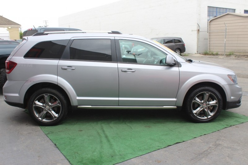 Dodge Journey 2017 price $17,999