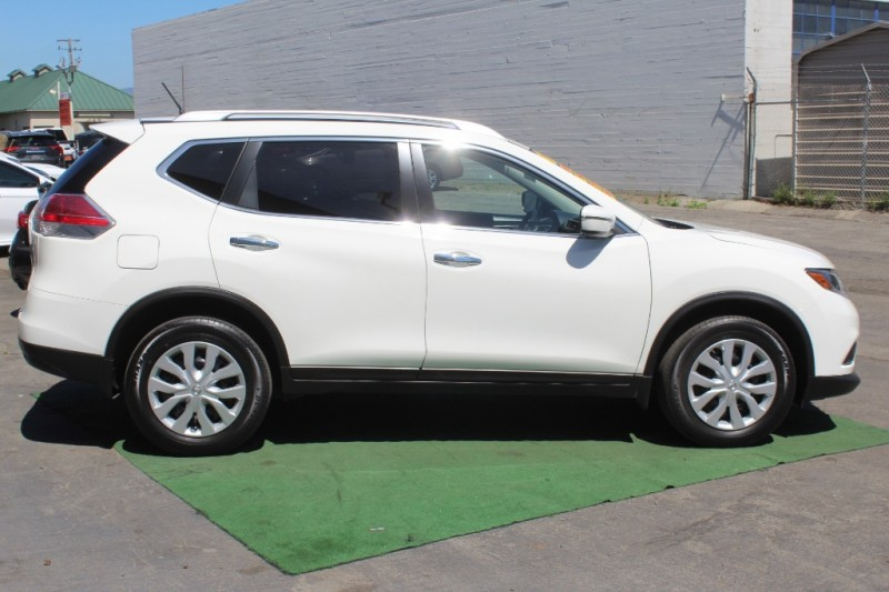 Nissan Rogue 2016 price $15,999
